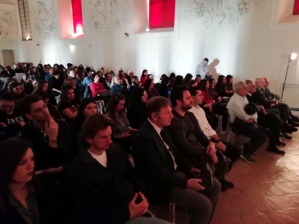 A Napoli con i ragazzi delle scuole per parlare di usura a passo di musica, d'arti e d'emozioni